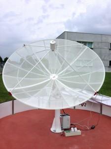 Il radiotelescopio Spider230 mentre registra l'emissione radio del Sole