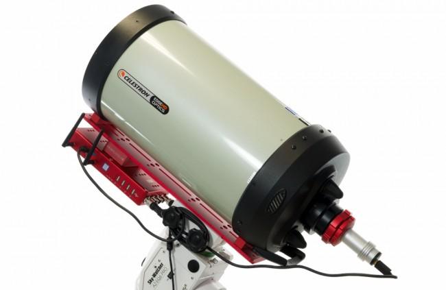 Astrofotografia planetaria e lunare in alta risoluzione con EAGLE, installato sul telescopio Celestron EdgeHD 925 con il morsetto Vixen+Losmandy PLUS. La camera planetaria è collegata a EAGLE tramite un corto cavo USB 3.0.